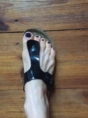 Toe-Post sandals black imitation leather