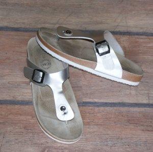 Tchibo / TCM Sandalias cómodas color plata-blanco Imitación de cuero