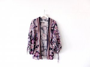 wie neu Promod Kimono Jäckchen blau lila pink paisley