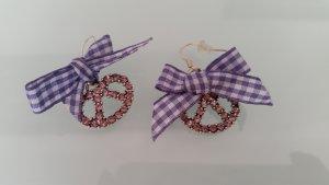 Wiesn-Dirndl-Trachten- Ohrringe Strass Bretzeln mit lila/weiß karrierter Schleife