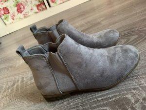 Borceguíes gris