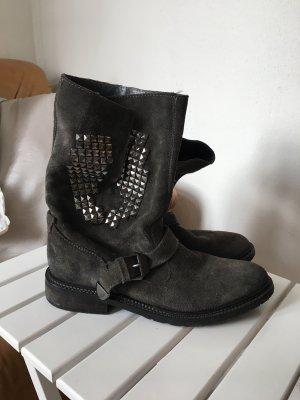 Wildleder Biker Boots/ Stiefeletten von Bershka