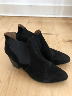 Short Boots black suede