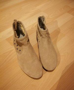 Desert Boots camel