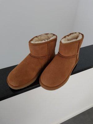 Wildleder Boots NEU, w. UGG