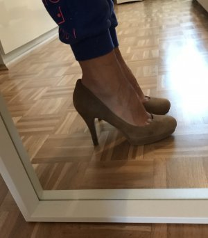 Wildleder High heels in camel
