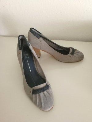 Maruti Zapatos de tacón con barra en T multicolor