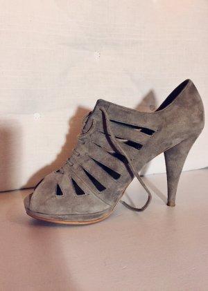Zara Tacones con cordones gris-marrón grisáceo