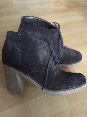 Wildleder Schuhe mit Absatz