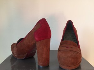 Wildlederpumps in brun und rot, Look nach Art der Budapester