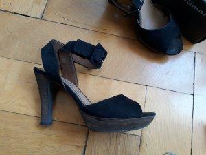 Tamaris Platform High-Heeled Sandal black suede