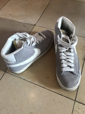 Nike High Top Sneaker white-light grey suede