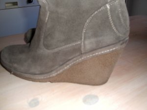 Platform Boots grey brown suede