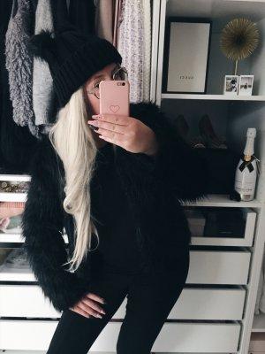 Winter Faux Fur black Casuallook •Bloggerstyle•