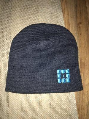 Winter hat dark blue