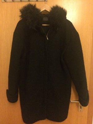 Winter ist da! Süsses ESPRIT Mantel in schwarz