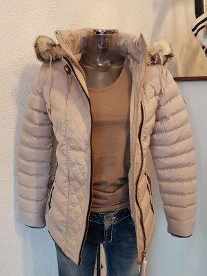 Winter Jacke mit Kunstpelz