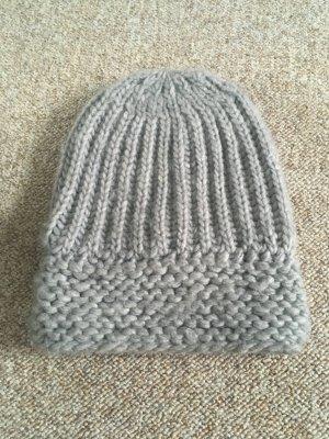 Chapeau en tricot gris clair acrylique