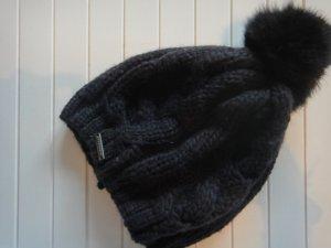 Winter Schnäppchen: Schwarze Mütze mit echtem Pelz von Seeberger