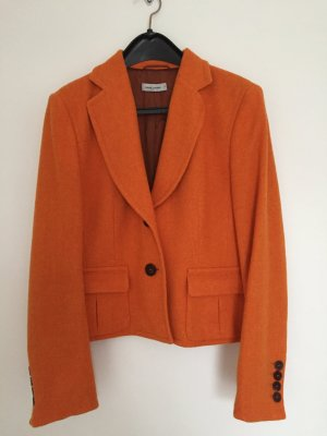 Winterblazer in leuchtendem Orange von René Lezard