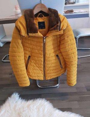 Zara Veste d'hiver jaune-orange doré