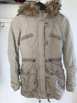 Winterjacke in beige Gr. 36