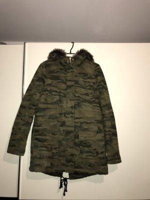 Winterjacke in camouflage
