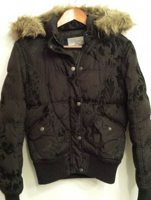 Winterjacke in schwarz