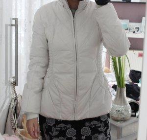 Winterjacke in weiß