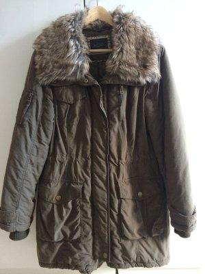 Winterjacke * khakifarben * Fake Fur/Kunstfellkragen * Größe 40 * von Yessica