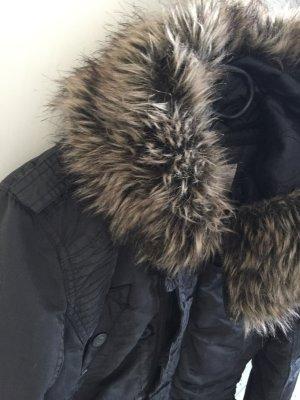 Winterjacke khujo Zustand top
