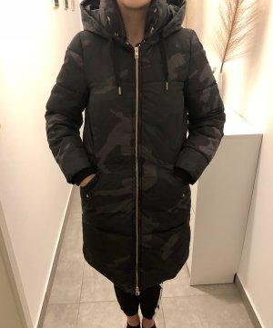 Winterjacke/ lange Steppjacke/Parka Camouflage Look, Größe XS