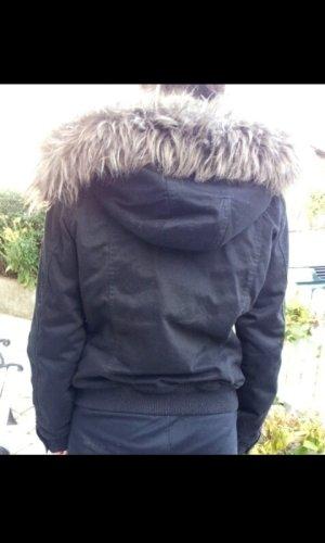 Winterjacke mit Fellkaputze
