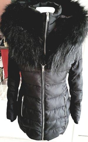 Winterjacke mit Fellkapuze