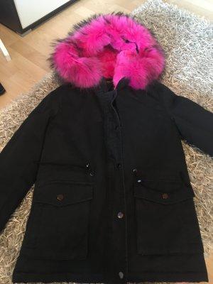 Winterjacke mit pinken Pelz