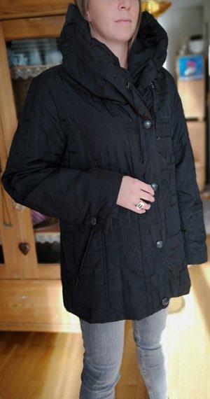 Winterjacke mittellang in Schwarz von Fuchs Schmitt, Größe 42