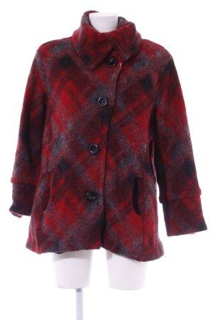 Winterjacke rot Street-Fashion-Look