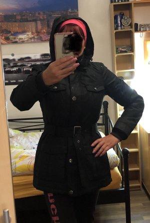 Winterjacke von Esprit in schwarz 38/M, Neu