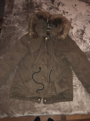 Zara Parka color bronce