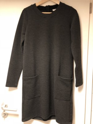 Winterkleid Kleid grau schwarz Objekt M