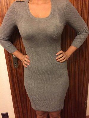 Winterkleid / Strickkleid von H & M in grau, bürotauglich, top Zustand!