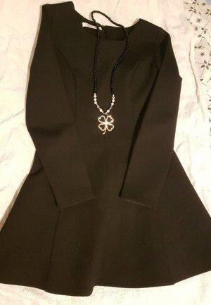 Winterkleid, zzgl. Kette in Form von Glücksklee