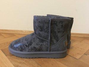 Winterliche Boots Neu