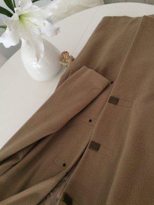 Abrigo de invierno beige-marrón claro