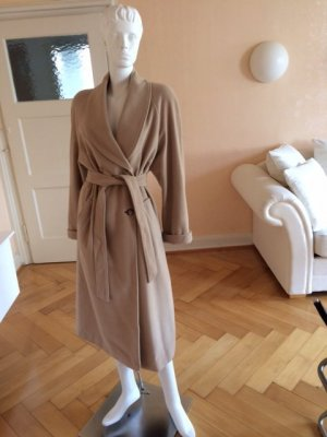 Wintermantel im Tranchcoat-Look