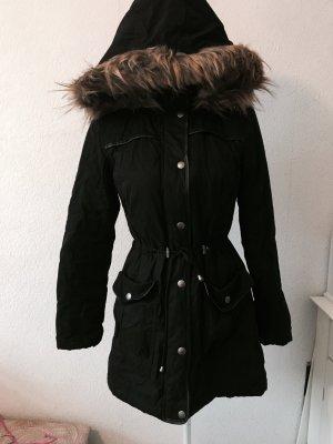 Wintermantel in schwarz Größe 34