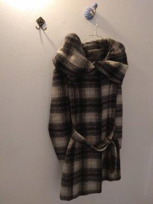 Wintermantel mit großer Kapuze und Schalkragen (Zara, S)