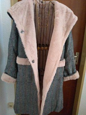 Wintermantel mit rosa Fell