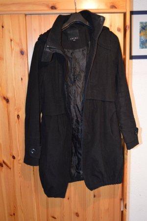 Wintermantel schwarz mit Kapuze