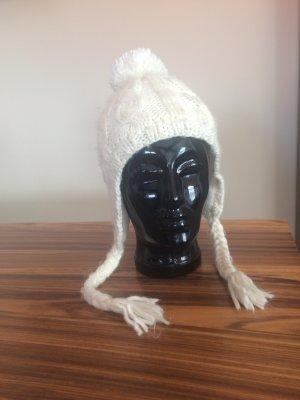 Cappello a maglia crema